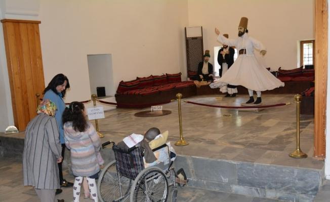 Engelli gencin Manisa'yı gezme hayali gerçek oldu
