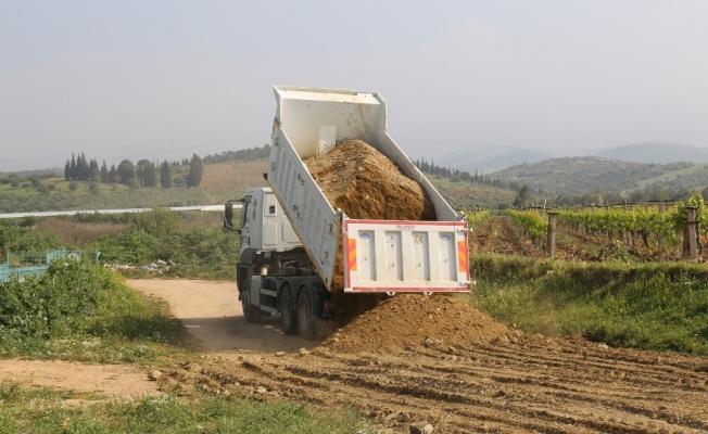 Turgutlu'da ova yolları yaza hazırlanıyor