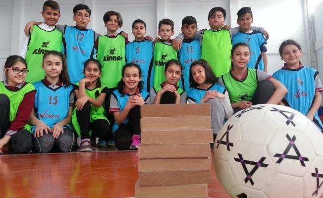 Türk oyunu 'Tombik' Avrupa'da