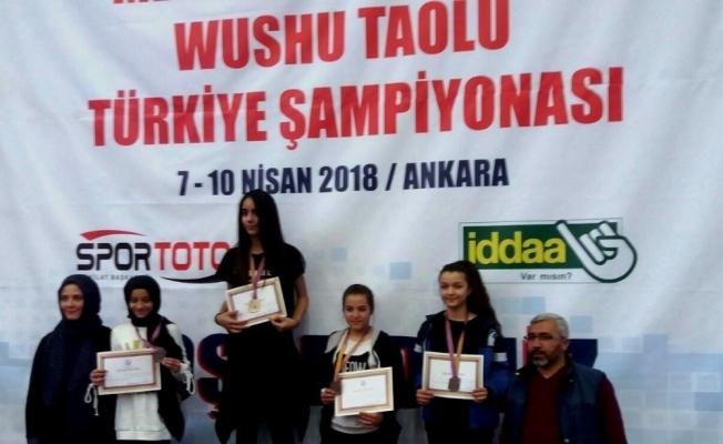 Yunusemreli wushucu Türkiye üçüncüsü oldu