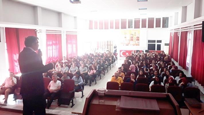 """Tarihçi-Yazar Naci Yengin'den """"Fatih ve Manisa Konferansı"""""""