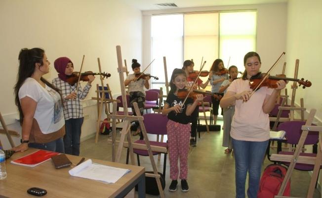 Sarıgöl Gençlik Merkezi'nde kurslar başladı