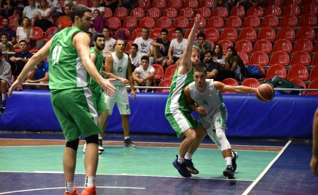 Manisa Büyükşehir'in dev adamları şampiyon oldu