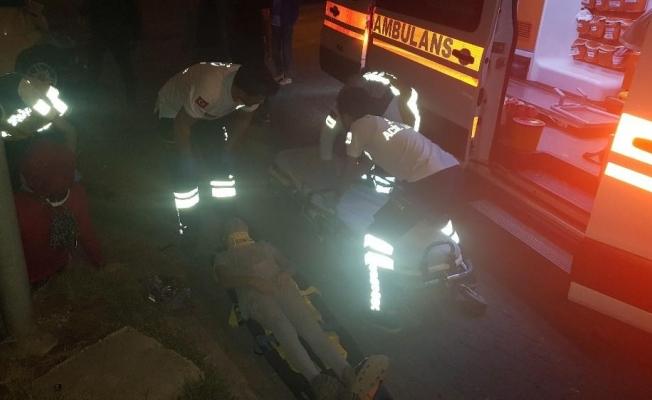 Minibüs, çekici ve engelli aracı çarpıştı; 8 yaralı