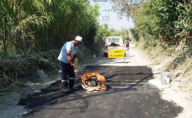 Yunusemre'den 2 mahallede asfalt yama çalışması