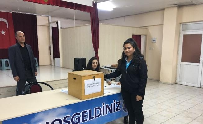 Kulalı öğrenciler meclis başkanlarını seçti