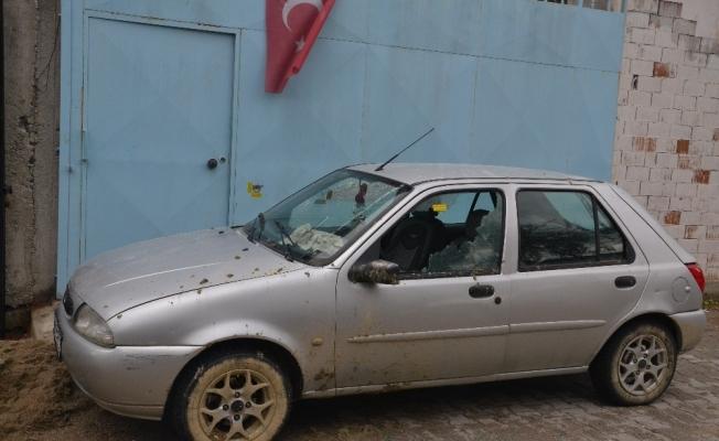 Manisa'da park halindeki otomobil kurşunlandı