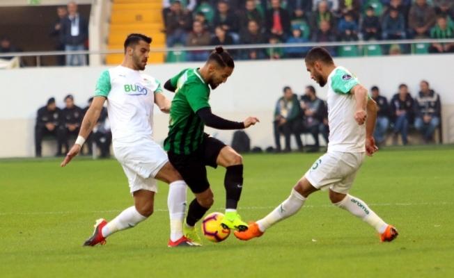 Spor Toto Süper Lig: Akhisarspor: 2 - Bursaspor: 1 (İlk yarı)