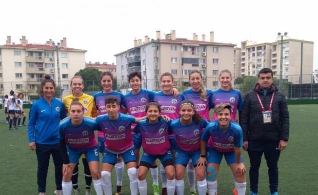 Turgutlu Belediyespor'un kadınları lige galibiyetle başladı