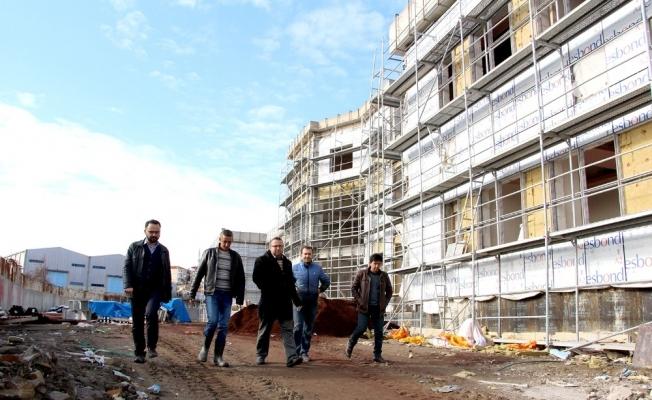Kula'nın yeni devlet hastanesinin yüzde 73'ü tamamlandı