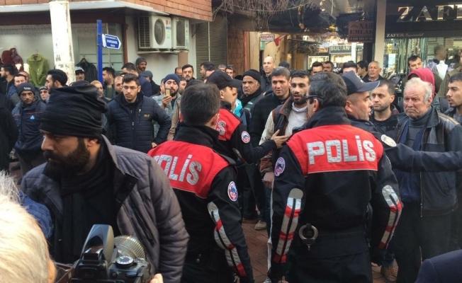 Kuyumcu dükkanı polis eşliğinde açıldı