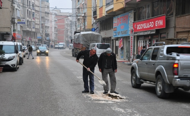 Mahalle sakinlerinden tehlikeli yama