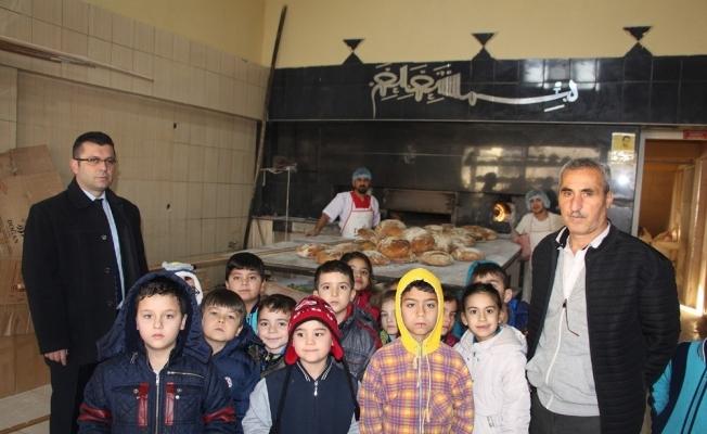 Minik öğrenciler, yerli mallarını yerinde inceledi