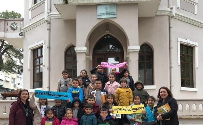Öğrencilerden 'Pekala okuyoruz' kampanyasına destek