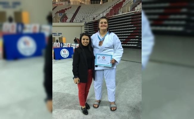 Salihlili judocu Türkiye 3'üncüsü oldu