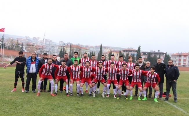10 kişi kalan Kulaspor, Salihli Poyrazspor'a gol yağdırdı