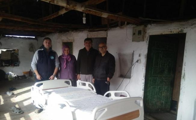 Engelli kadına büyükşehirden elektrikli hasta yatağı