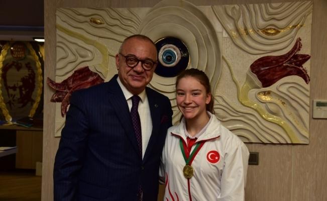 Başkan Ergün cimnastiğin altın kızını ağırladı