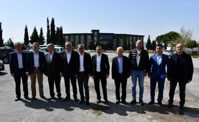 Manisa Valisi Ahmet Deniz, Akhisarspor'un 49. yılını kutladı