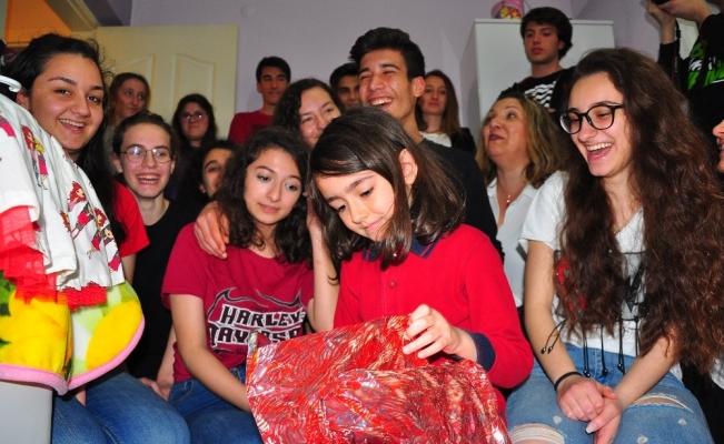 (Özel) Liseliler harçlıklarıyla Hümeysa'nın yüzünü güldürdü