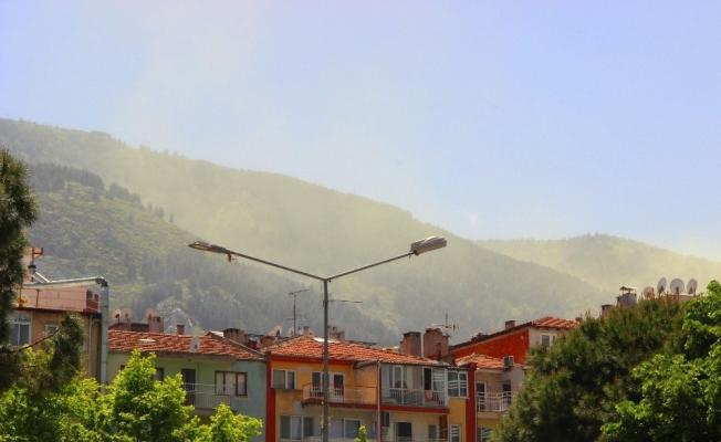 Toz taşınımı ve polenler Spil'i etkisi altına aldı