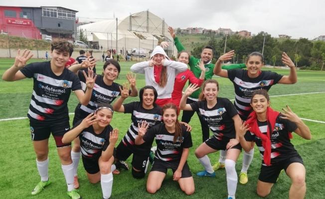 Turgutlu'nun kadın futbol takımı 2. Lig yolunda