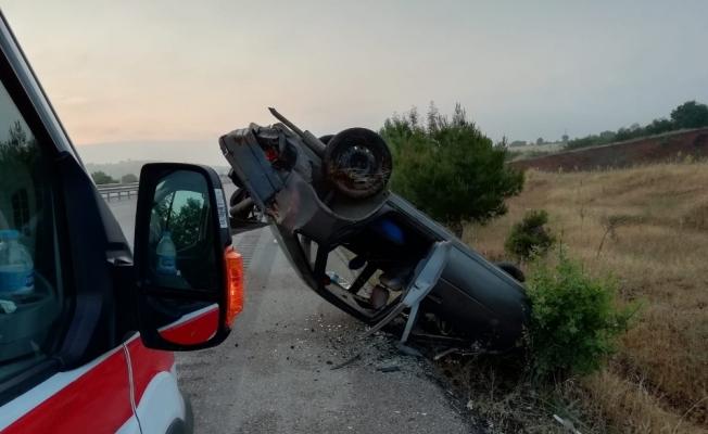 Direksiyon hakimiyetini kaybeden araç, taklalar atarak durabildi