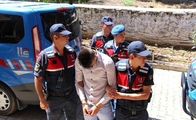Jandarma alıcı kılığına girdi, uyuşturucu tacirlerine suçüstü yaptı