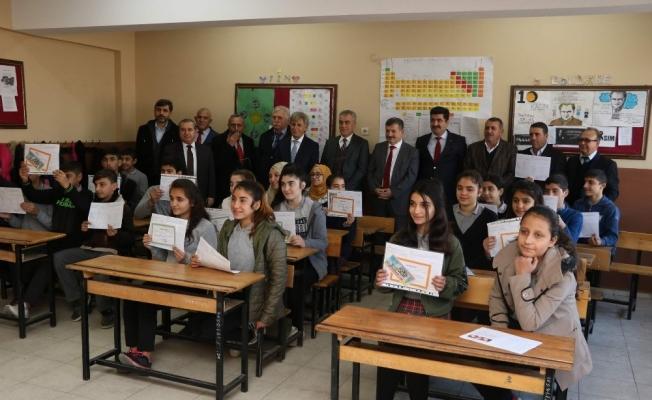 Manisa'da 250 binden fazla öğrenci karne alacak