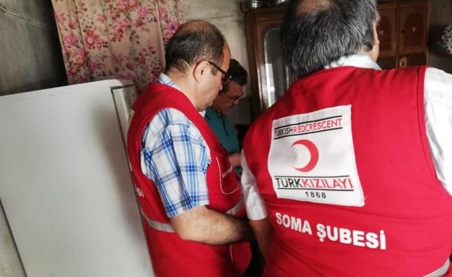 Türk Kızılayı Soma'da 885 ailenin yüzünü güldürdü