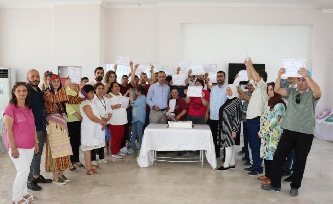 Yunusemre'de özel öğrenciler belgelerini aldı