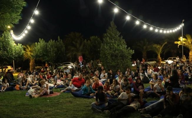 Akhisar Gölet'te açık hava sinema geceleri bir başka güzel