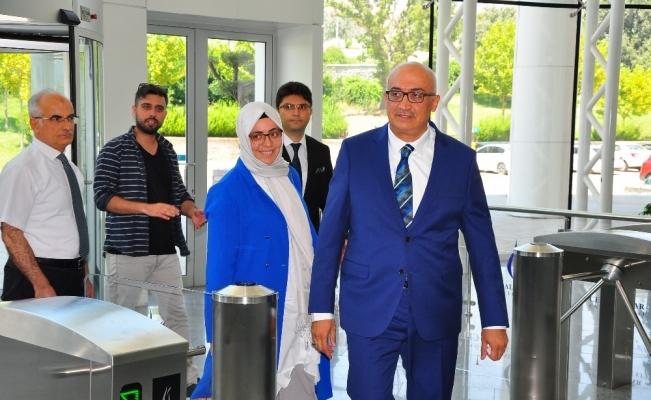 Manisa CBÜ Rektörlüğüne atanan Prof. Dr. Ahmet Ataç göreve başladı