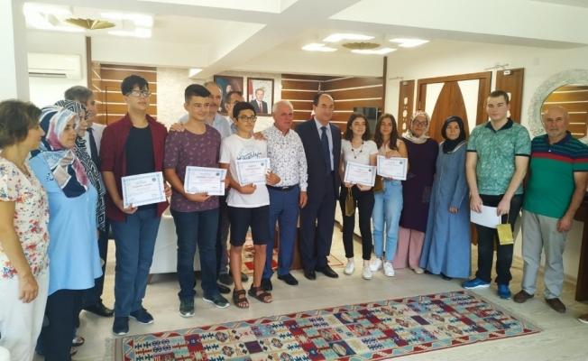 Soma'da başarılı öğrenciler ödüllendirildi