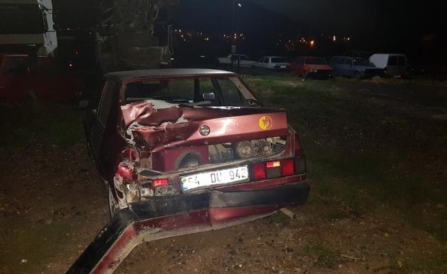 Kaza yapıp olay yerinden kaçtı, otomobilini de terk etti