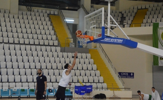 Başkan Aktan'dan Basketbol Takımına tatlı ziyaret