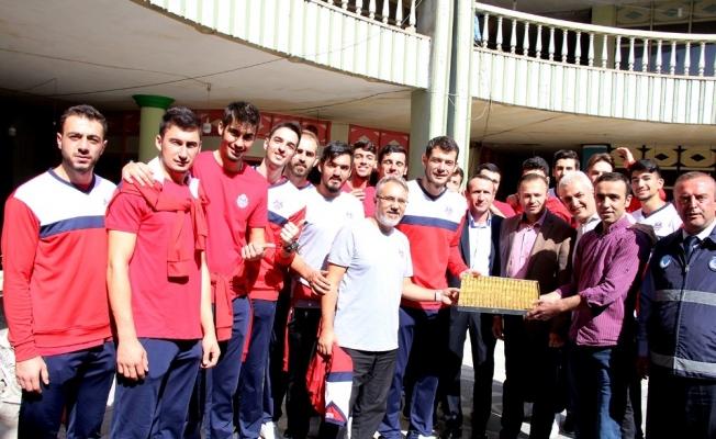 Jeopark Kula Belediyespor'dan gövde gösterisi