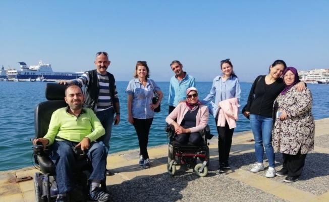 Turgutlu'daki engelliler için Çeşme gezisi