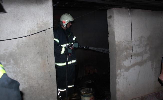 Manisa'da çatı katında çıkan yangın paniğe neden oldu