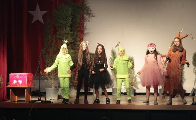 Akhisar Belediyesi çocukları tiyatro ile buluşturuyor