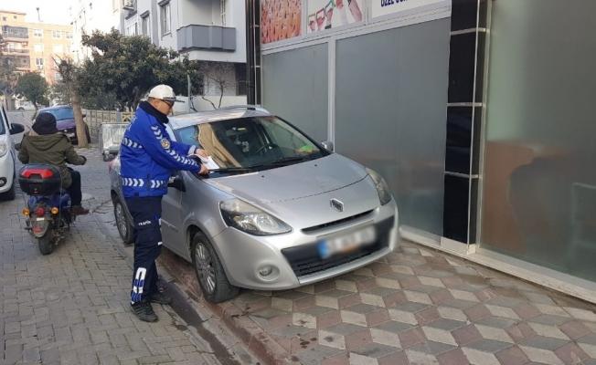 Akhisar'da usulsüz parklanmaya cezai işlem