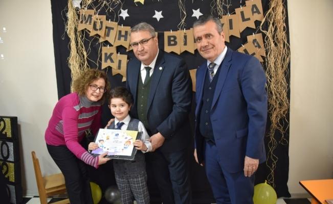 Başkan Çerçi miniklerin karne heyecanına ortak oldu
