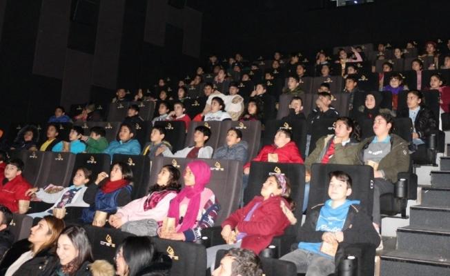 Manisa'da bin 260 gence Sarıkamış temalı film izletildi