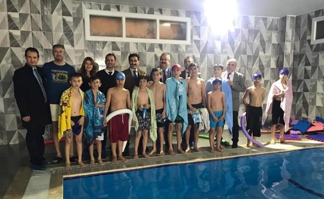 Salihli'de 'Yüzme bilmeyen kalmasın' projesi başladı