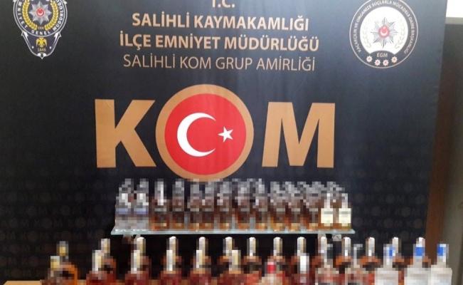 Şüpheli araçlardan 156 şişe gümrük kaçağı içki çıktı