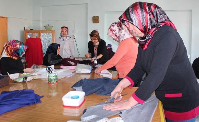 Halk Eğitim Merkezlerinde 'Maske üretim kursu' açılsın önerisi