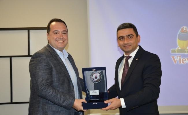Başkan Dutlulu'ya yılın belediye başkanı özel ödülü