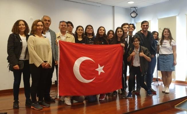 Lise öğrencileri Avrupa kültürünü öğrendi