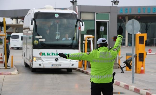 Manisa Emniyetinden otobüslerde korona virüs denetimi
