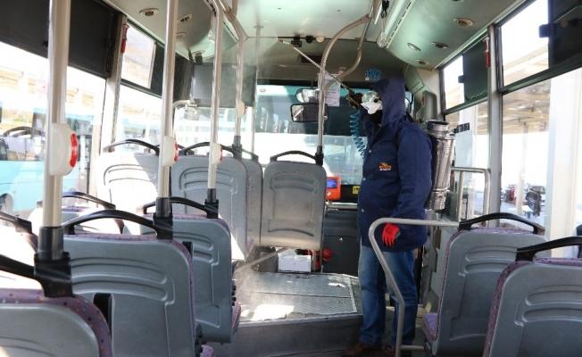 Manisa'da özel halk otobüslerinde korona virüsü önlemi
